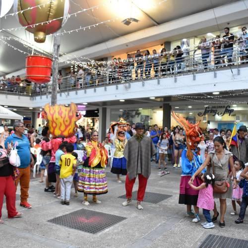 Sorteo Moto BMW y Carnaval de Blancos y Negros